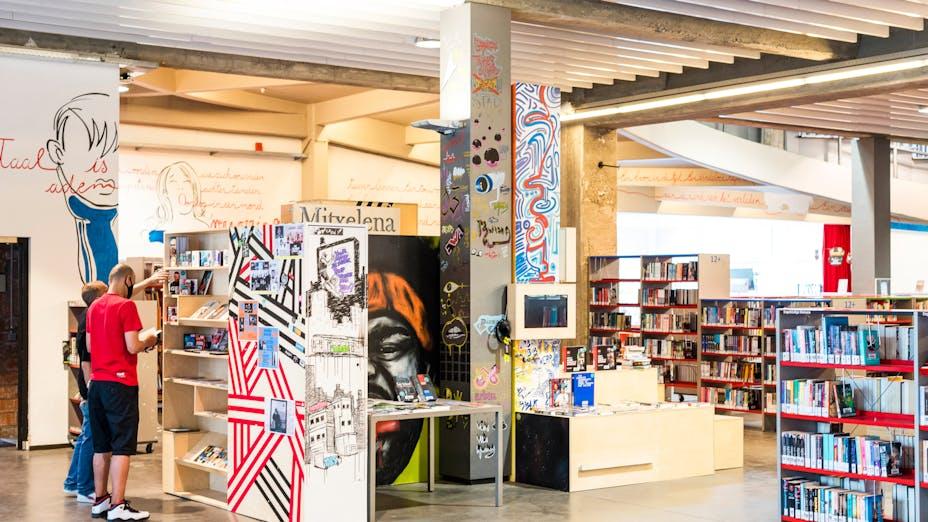 Antwerp Library Permeke with Rockfon Universal Baffle ceiling