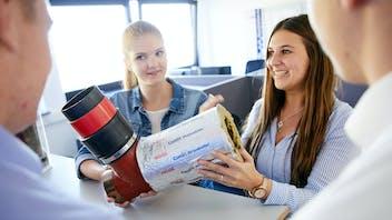 people, employee, employees, trainee, trainees, apprenticeship, ausbildung, auszubildende, azubi, germany