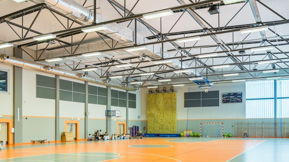 Primary School, Gdańsk, Poland, 10000 m2, Architect studio: PRACOWNIA INWESTPROJ, City Gdansk, EBUD Przemysłówka Bydgoszcz, Bartosz Makowski, ROCKFON Samson, A24, A24, 1200x600, white