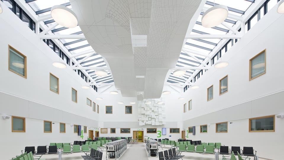 Acoustic ceiling solution: Rockfon Eclipse®