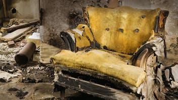 fire, fight a fire, devastation, ravage, hotelroom