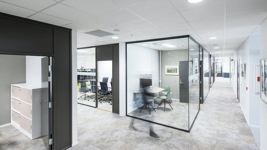 NO, Sundkvartalet, Dyrvik Arkitekter, Office, Meeting room, reception, Rockfon Sonar dB42, A edge, 600x600, white, Chicago Metallic T24 Click 2890