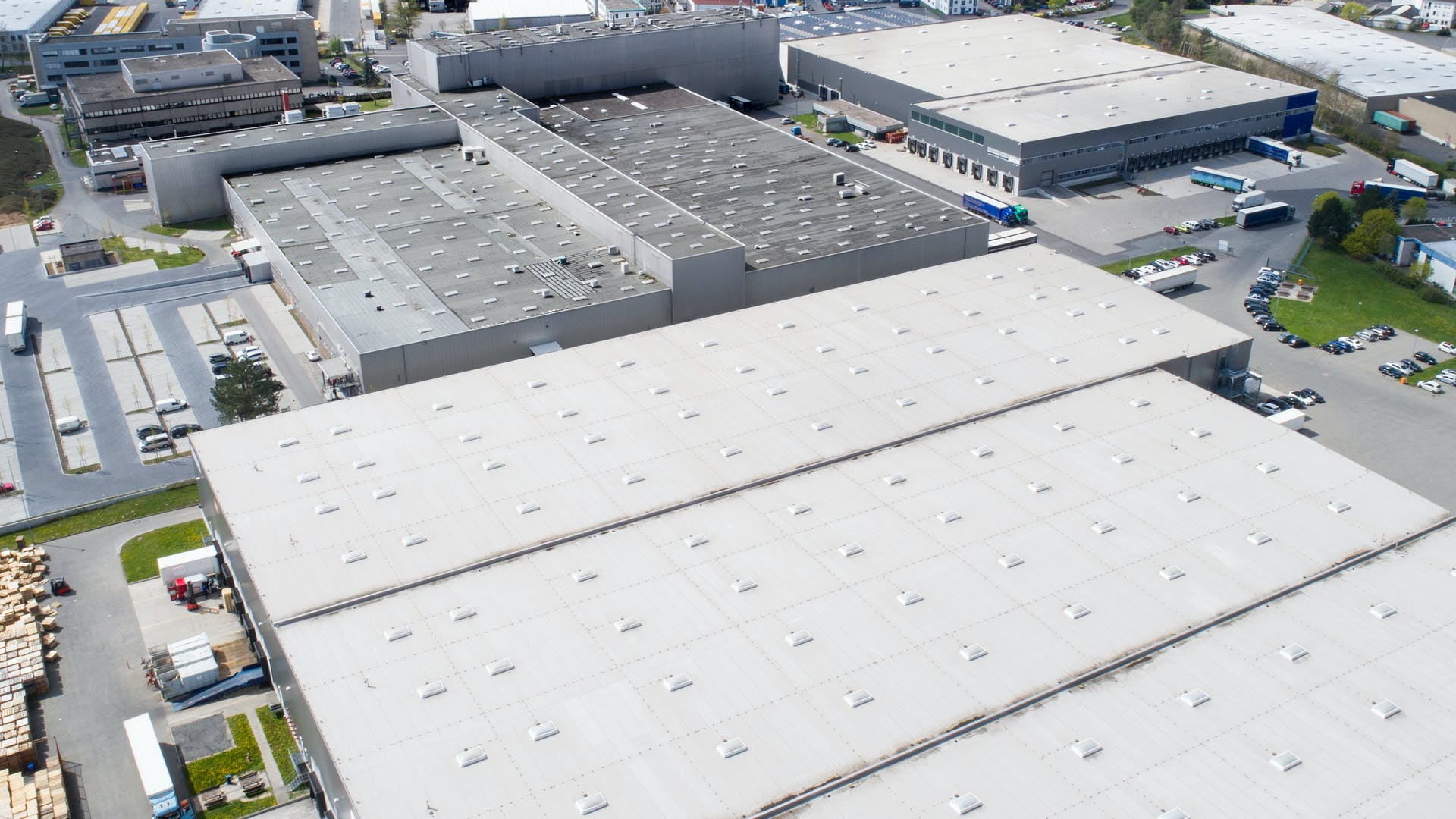 flat roof, warehouse, roofrock product header