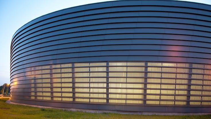 """Depot of """"De Lijn"""" transport company with Rockpanel Colours in Antwerp, Belgium"""