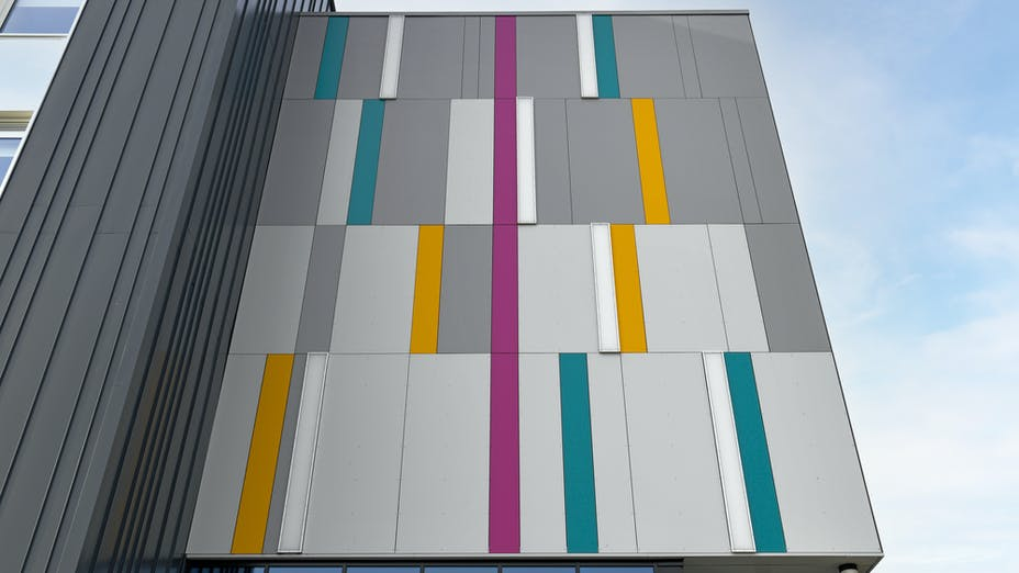 Rockpanel Case study Doncaster UTC College Rockpanel colours RAL7004 RAL70 70 60 RAL7036 RAL5021 RAL350 40 35