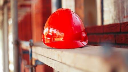 denk breder, gezondheid, veiligheid, safety, helmet, construction