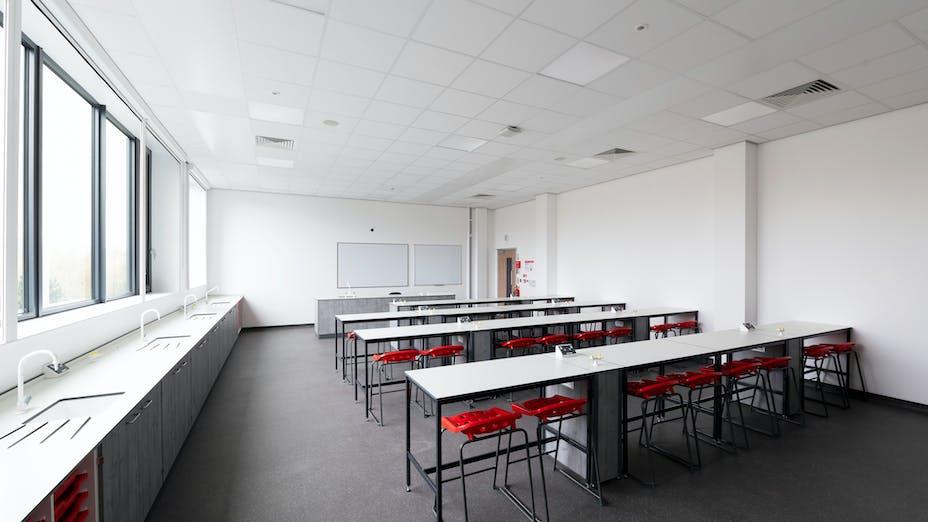 UK, Laurus Didsbury School, Manchester, Pozzoni, Education, Rockfon Blanka dB41, A-edge, 600x600, 600x1200 White, 2890, Classroom