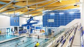 UK, Riverside Leisure Centre, Chelmsford, Pick Everard, Leisure, Rockfon Scholar wall panel, Rockfon Color All, A24, A-edge, 1200x600x40, White, Aqua, ECR T24, Swimming Pool