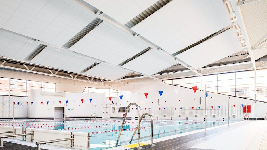 Swimming Pool Jonfosse in Liège Belgium with Rockfon Pallas