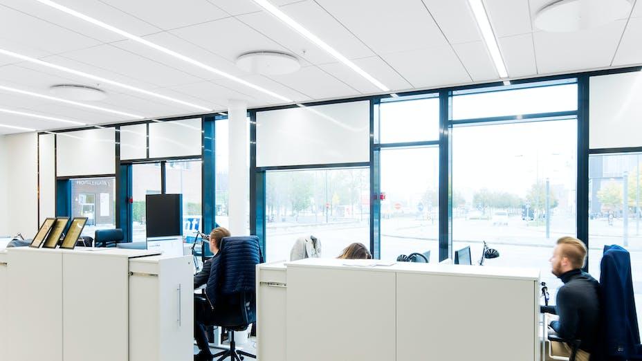 SE, World Trade Center, Malmö, Horisont Arkitekter AB, Office, Rockfon Blanka, M-edge, 1200x600, White, Chicago Metallic 2890 T24 Click, OPen Plan Office