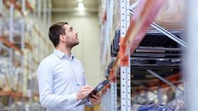 Illustrative image, distributor, wholesale, logistic, taking stock, warehouse, quantity, clip board, shelves
