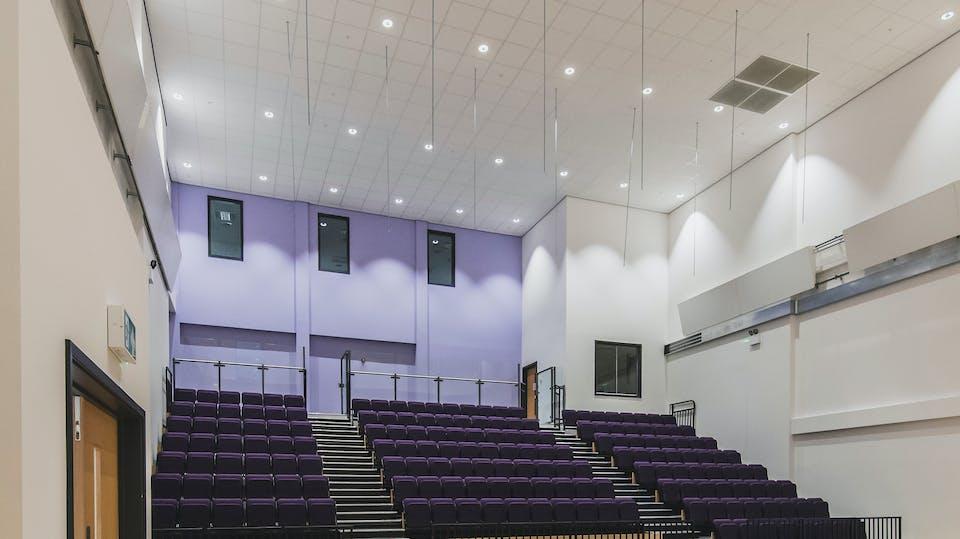 Acoustic ceiling solution: Rockfon Blanka® dB 41, 600 x 600