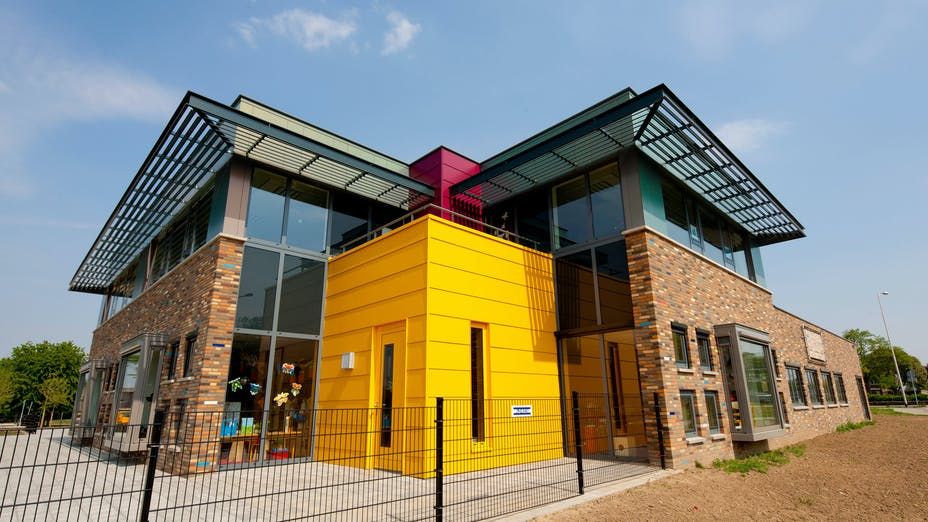 New build of the 'BMV (Broad Social Amenities) School' in Roermond (The Netherlands)  with Rockpanel Colours and Chameleon exterior cladding
