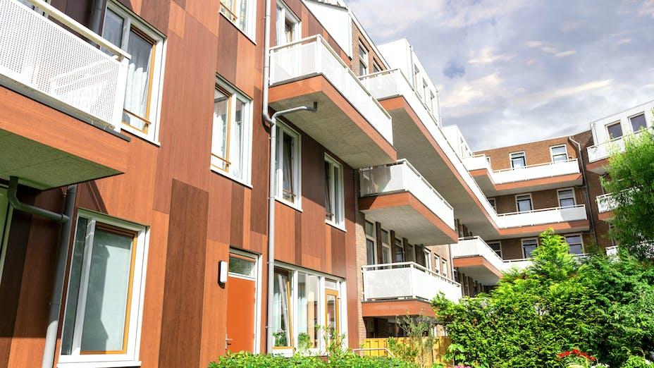 Rockpanel Case Study Van lennepstraat Rotterdam Rockpanel Woods Cherry, Merbau & Mahonie, Colours