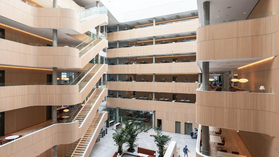 DK, Mærsk Amerika Plads, PLH Arkitekter, Office, Reception, Open plan office, Rockfon Blanka, X edge, white