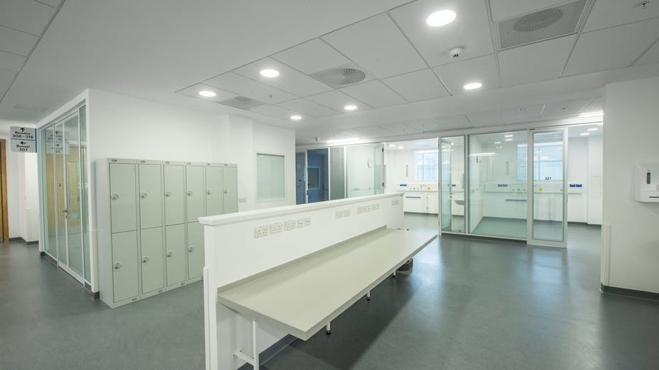 Southmead Hospital,UK,Bristol, 110,000m2 installed in total by CCP (not all ROCKFON), Main Contractor - Carillion, North Bristol NHS Trust, Carlton Ceilings & Partitions, Slough, Julian James, MediCare Plus, E-edge, 600 x 600, 1200 x 600, White, Rocklink 24