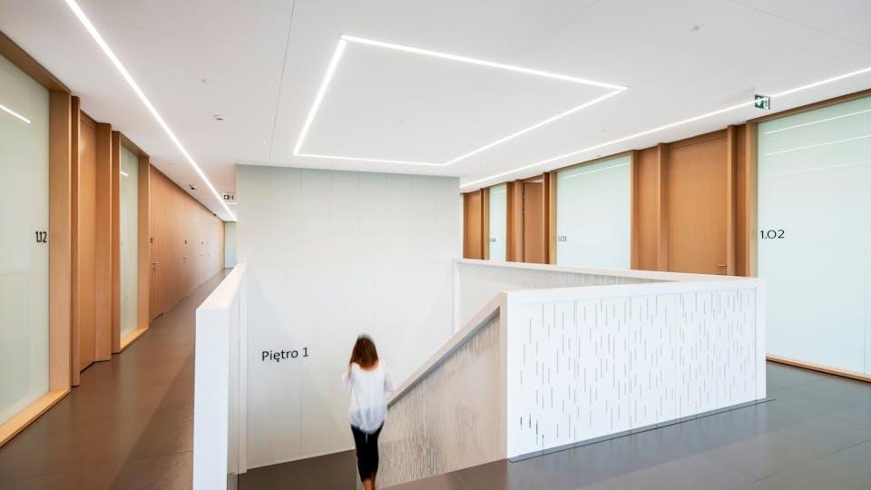 Acoustic ceiling solution: Rockfon® Mono® Acoustic, 1800 x 600