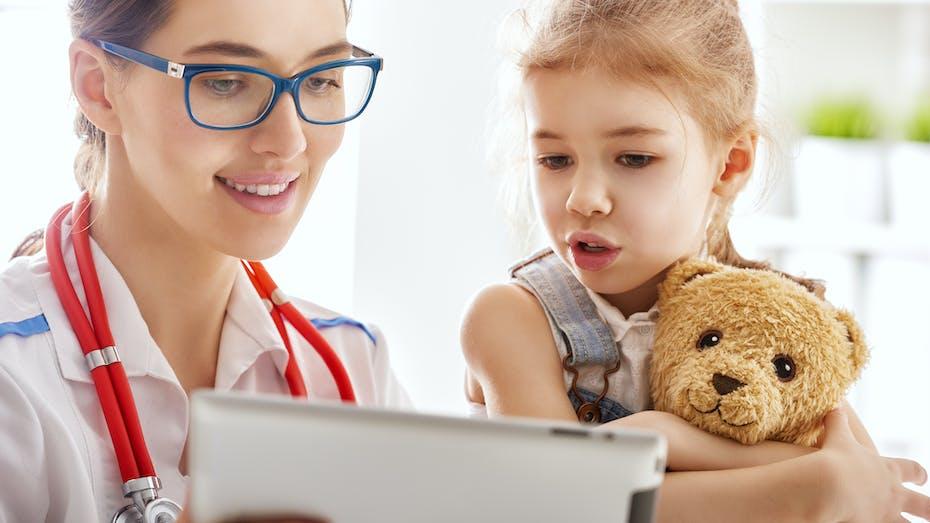 Illustrative image, hospital, healthcare, female, doctor, girl, tablet