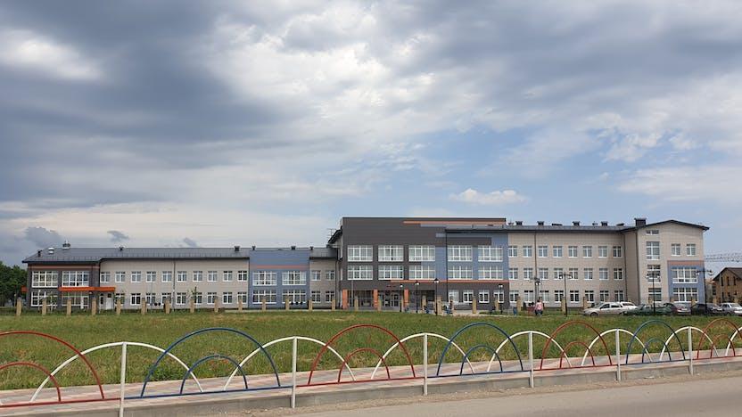 School 20, Mikhailovsk, facade insulation, double density