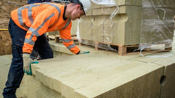 water management, installation, construction, worker, stonewool, lapinus