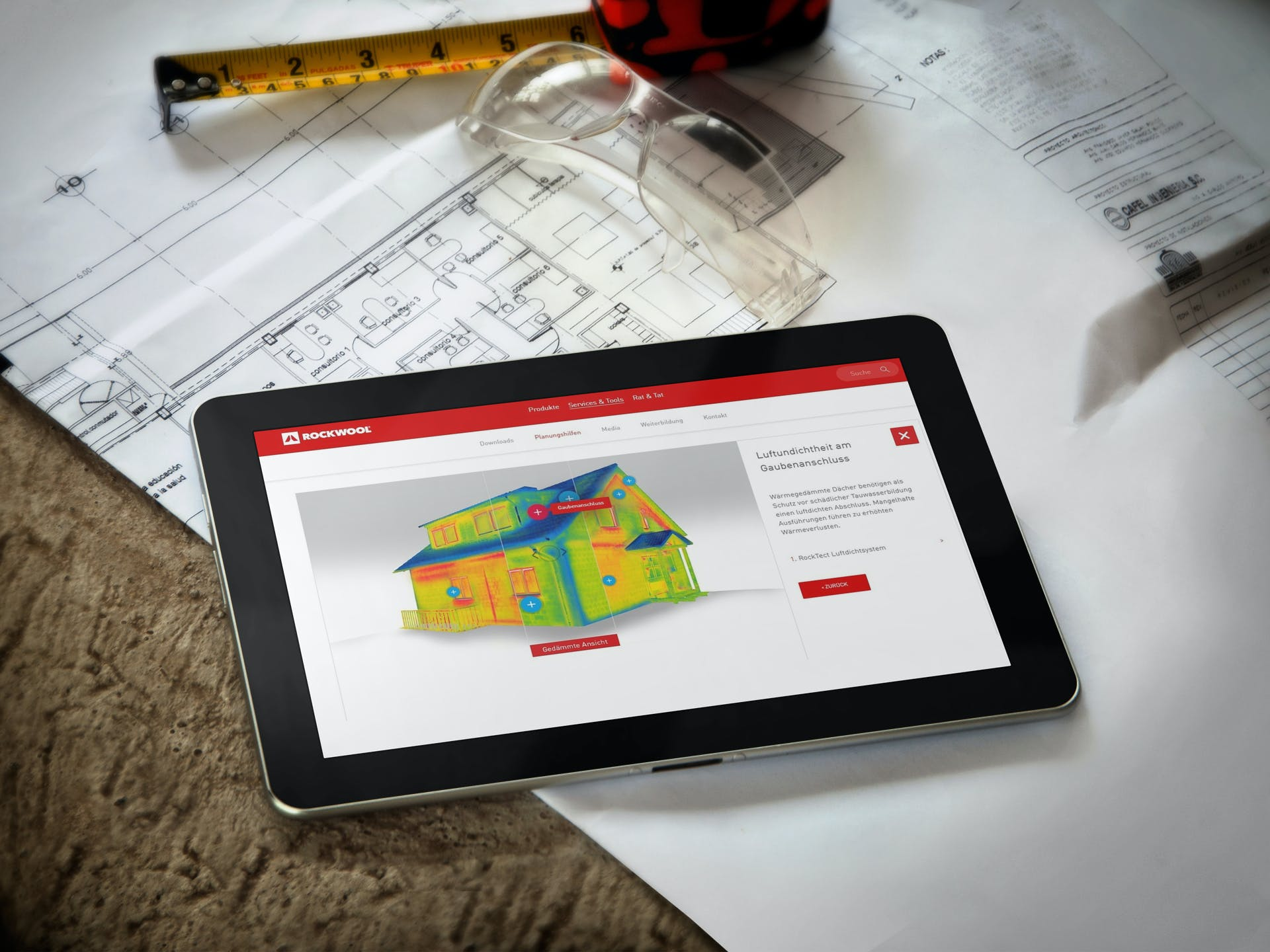thermocheck, thermography, tool, ipad on a desk, germany