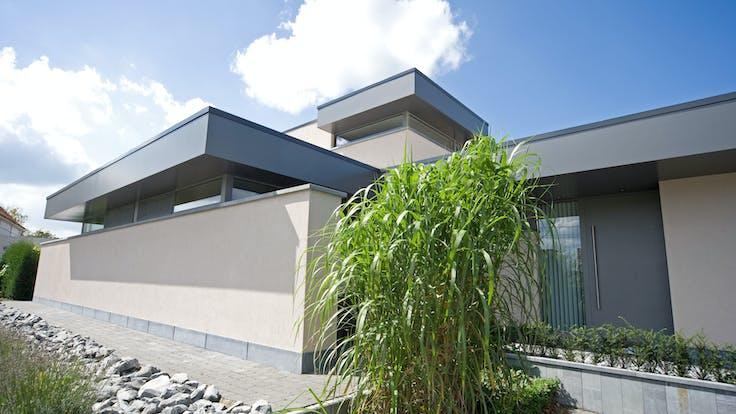 Roofline application on Single Family House with Rockpanel Uni/Colours in Ertvelde, Belgium.