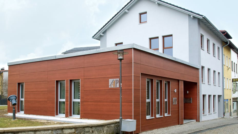 Rockpanel Profiles used as corner solutions on a project in Ruhmannsfelden, Germany