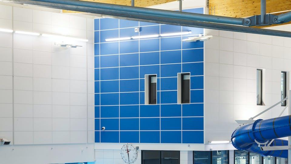 Acoustic ceiling solution: Rockfon® Scholar™ wall panel