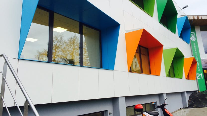 Renovation of an office building with Rockpanel Ply in Limelette, Belgium
