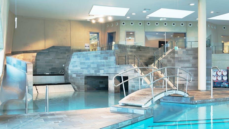 Valby, Vandkulturhus, Denmark, Valby, 2.000 m2, Nøhr & Sigsgaard A/S, Rambøll, Københavns Kommune, Intern A/S (Head Contractor E. Pihl & Søn A/S), Nibe Fotograferne, White, Sonar, D-edge, 600 x 600 x 20, Rockfon System T24 A/E corrosion resistant, swimming pool