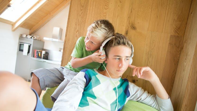image, living, earphones, headphones, children, family, home, diy, germany, job 5026