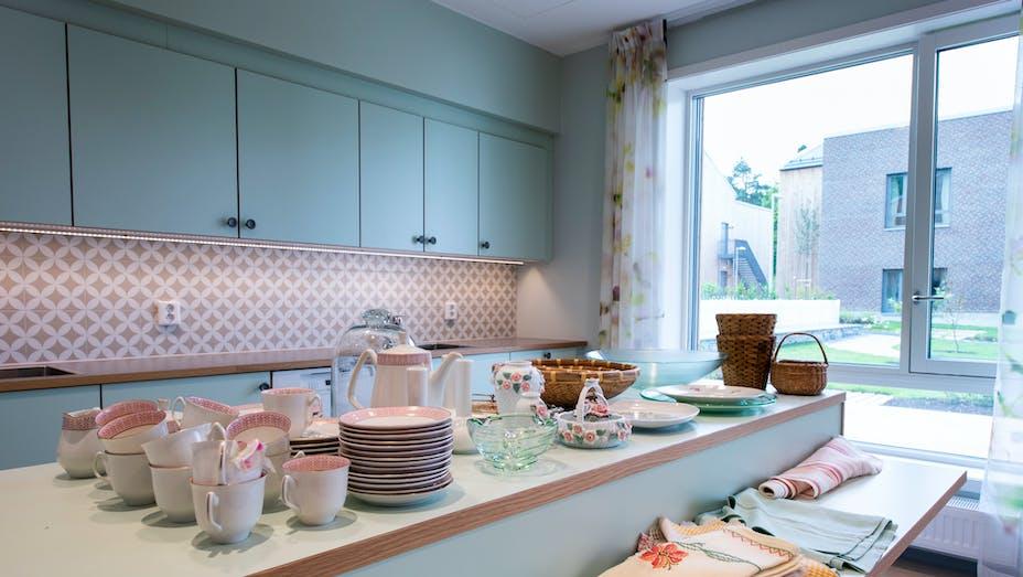 Kitchen in Carpe Diem Nursery Home in Gjettum Norway with Rockfon Mono Acoustic