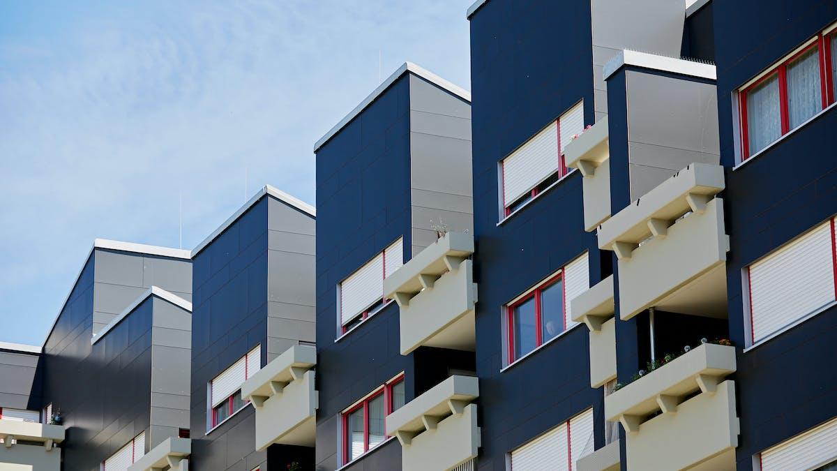 Rockpanel Case Study Wohnunganlage Universität Rockpanel Colours in RAL 7021