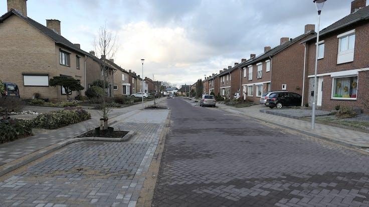 case study, maasbracht, after, rockflow, street, city, cars, lapinus