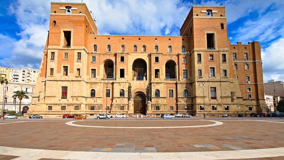 €1 housing, Taranto Palazzo, municipality building, public building