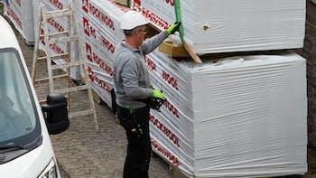 craftsman with ROCKWOOL pallets, Kassenlager Kottenheim, Bitrock, Rockpur, Flachdach, flat roof, flatroof, 019_5685_Kottenheim_Behrendt und Rausch_Ausschnitt, germany