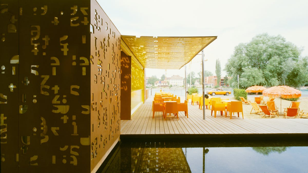 Beach bar in Konstanz, Germany for the Seezeit Studentenwerk with Rockpanel Natural exterior cladding