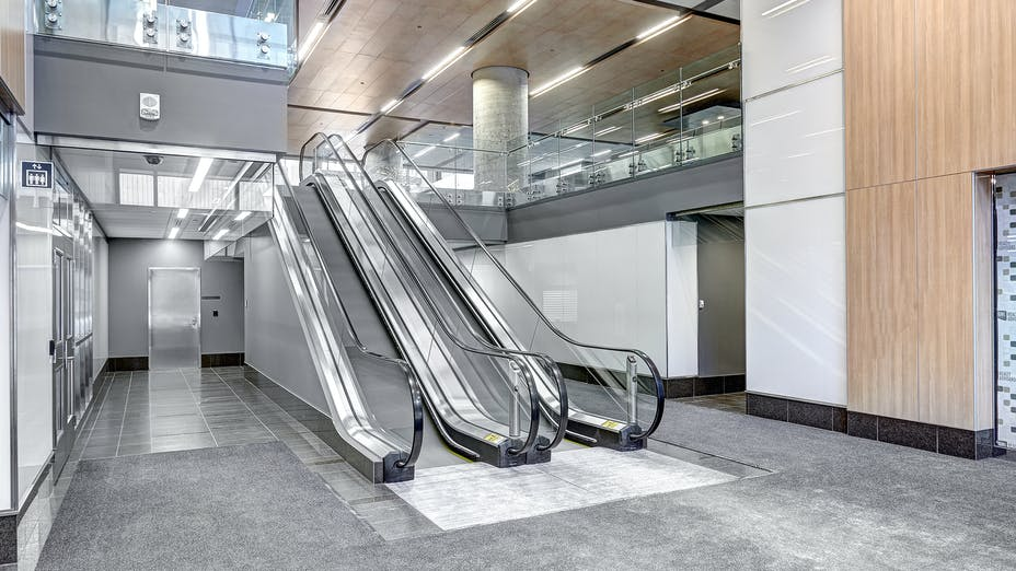 """90 Elgin, Ottawa, Canada, 34.123 m2, Rockfon Specialty Metal Ceilings, Chicago Metallic, Dialog, MCROBIE Architects + Interior Designers, Ron Engineering and Construction/State of the Art Acoustik Inc., The Great-West Life Assurance Company (Building), Government of Canada (Land), Advance Drywall Ltd./Morin Bros. Builiding Supplies, LEED, Bochsler Creative Solutions, SpanAir, Hook-On, Reveal, 24"""", 48"""", 72"""", 96"""" and 120"""", WoodScenes Lazy Maple"""