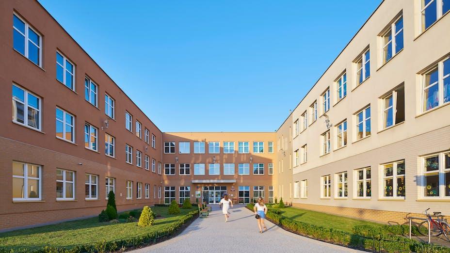 PL, Warsaw, Primary School number 340, wmn ARCHITEKCI Weronika Nowak, Education, exterior