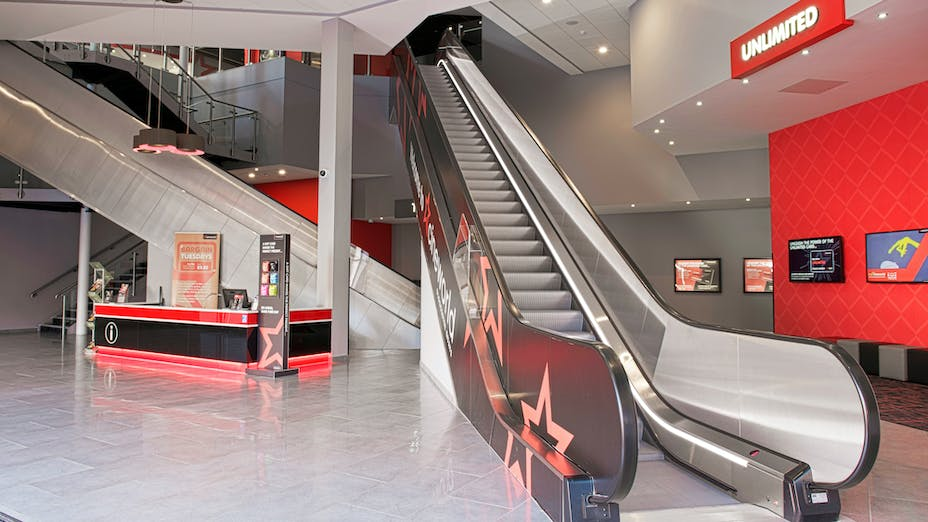 Cineworld, UK, Gloucester, Main Contractor - Brittania Construction, Ceiling Contractor - D & G Ceilings, Wayne Hutchinson, Artic, White