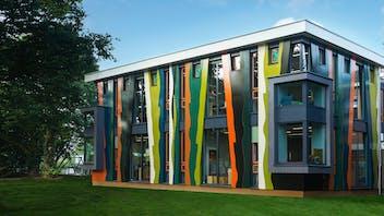 Inspiration farbenfrohe Gebäude: Fassadenverkleidung in vielen Farben erhältlich