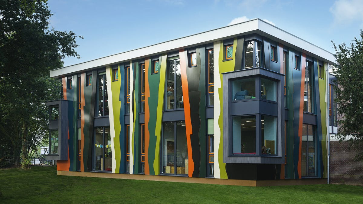 The Maasniel school project in Roermond, The Netherlands wth Rockpanel Brilliant & Woods exterior cladding.