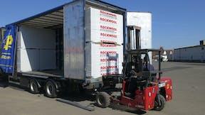 transportable forklift, transport, loading, logistics, flachdach broschüre, germany