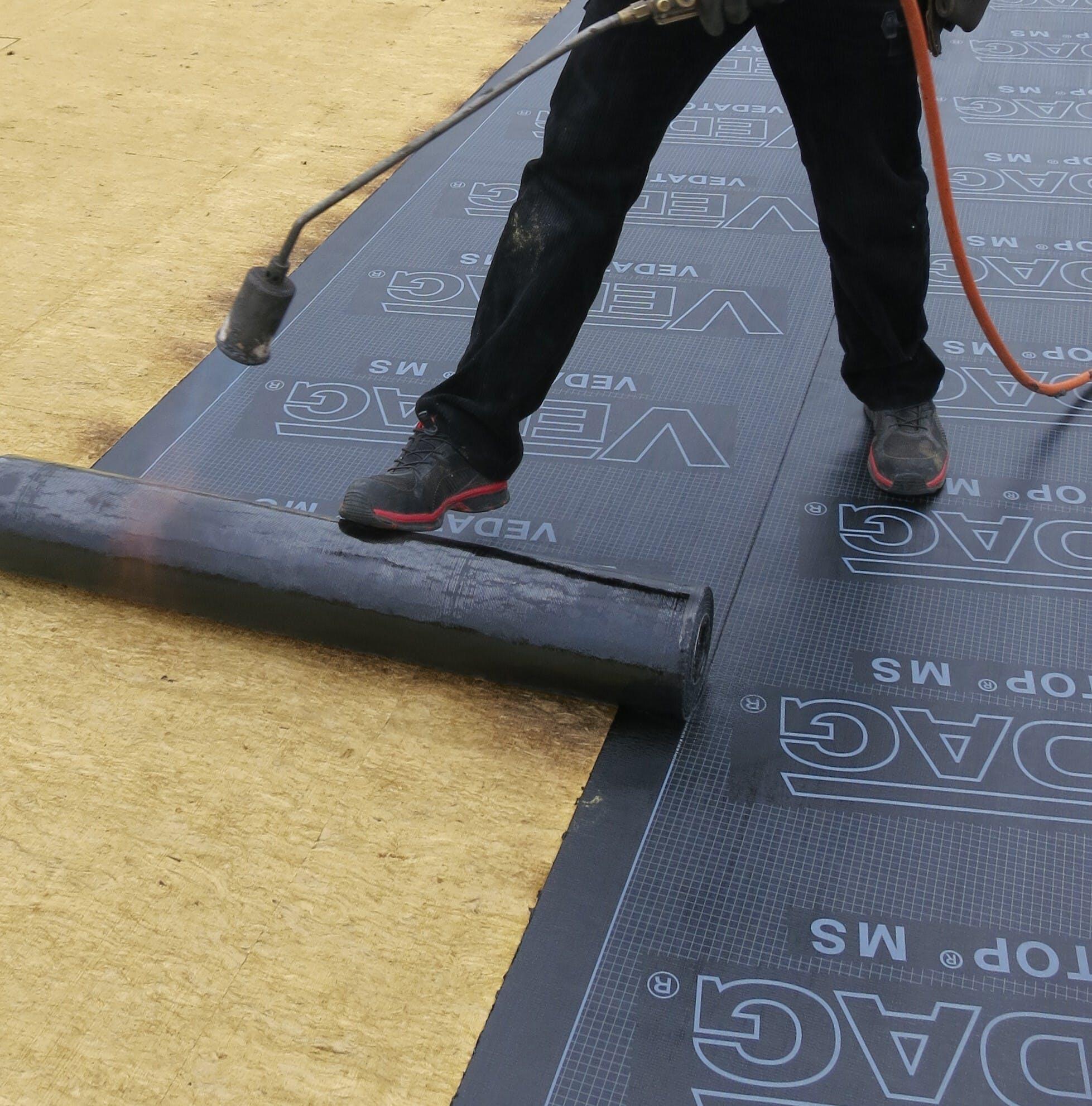 roof insulation, flat roof, bitumen seal, adhesive-friendly surface, dach+holz 2020, bitrock, bitumenabdichtung, klebefreundliche oberfläche, dachdämmung, flachdach, presse, germany, presse, press