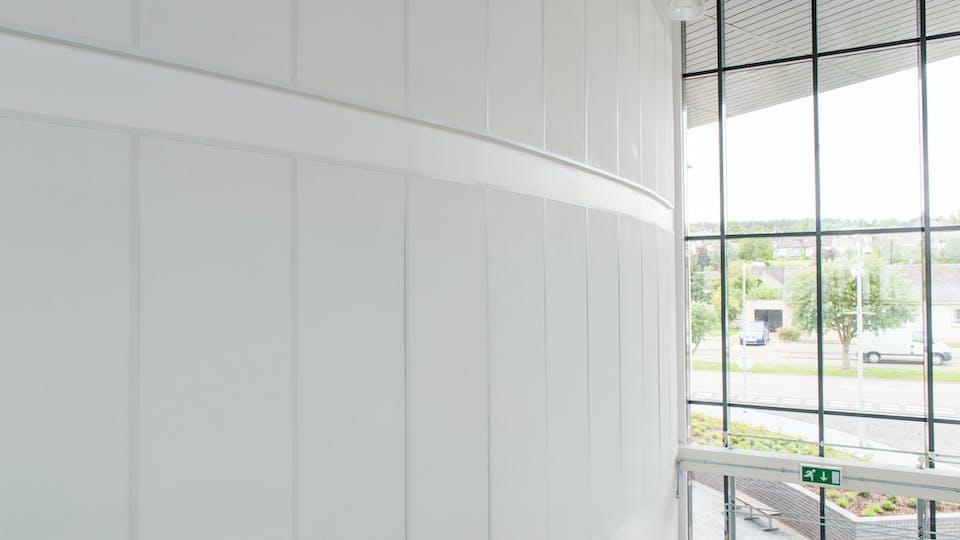 Acoustic ceiling solution: Rockfon® Scholar™ wall panel, 2400 x 600