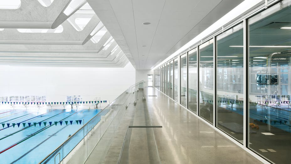 Guildford Aquatic Centre,Canada,Surrey,10405 m²,Bing Thom Architects,SHAPE Architecture,BKL Consultants,City of Surrey,StructureCraft Builders Inc./Heatherbrae Builders,Raef Grohne Architectural Photographer,ROCKFON Sonar,X-edge,610x610,white