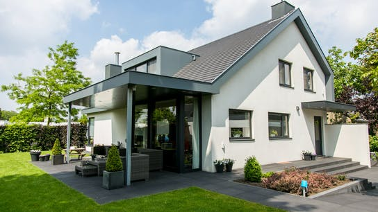 Private house with Rockpanel Uni/Colours
