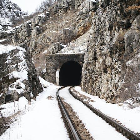 Tracks, Rockdelta, Rockdelta RG, structure protection, vibration, structure protection, stone wool, lapinus, winter, snow