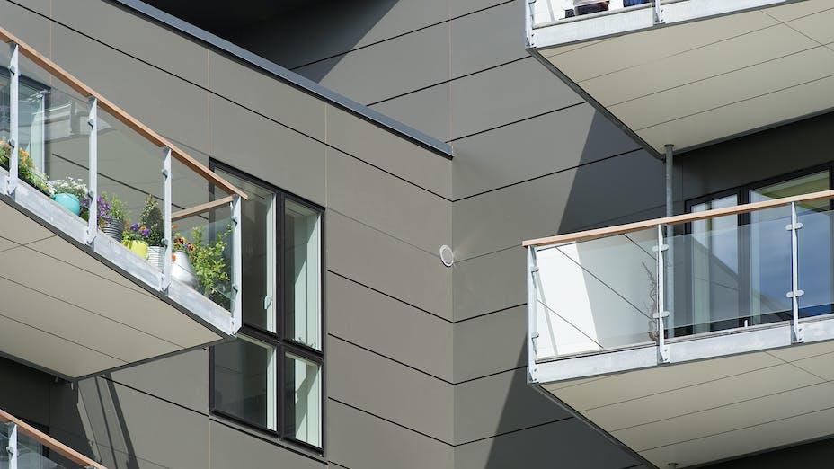 Case Study Thors Bakke Randers Denmark Rockpanel Colours RAL7022 og RAL9010 New build