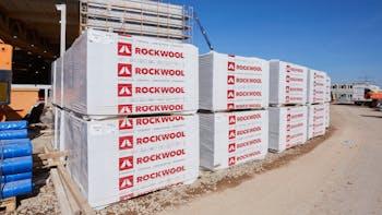 insulation slabs, dämmplatten, hero image, construction side, germany, pallets, packages, packaged pallets, durock